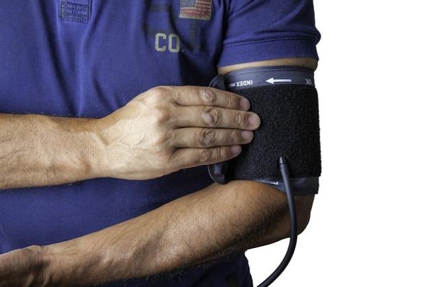 blood-pressure-monitor-1749577_640