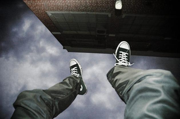 falling-2245869_640